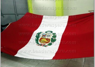 Venta de banderas de Perú