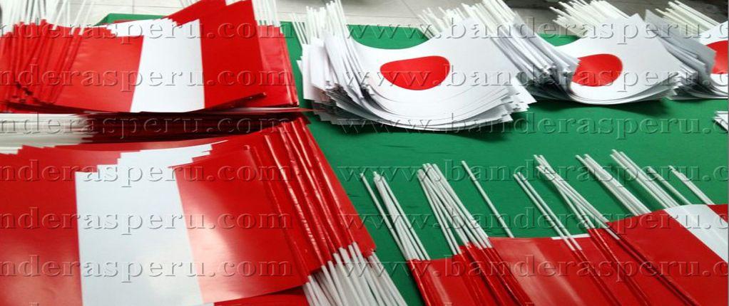 Banderas de papel en peru Banderas Perú