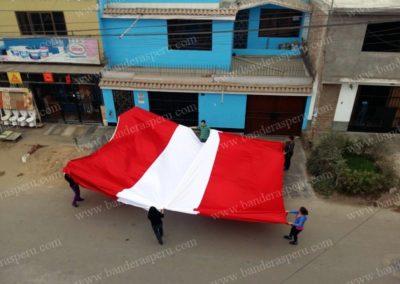 Banderas monumentales de Perú