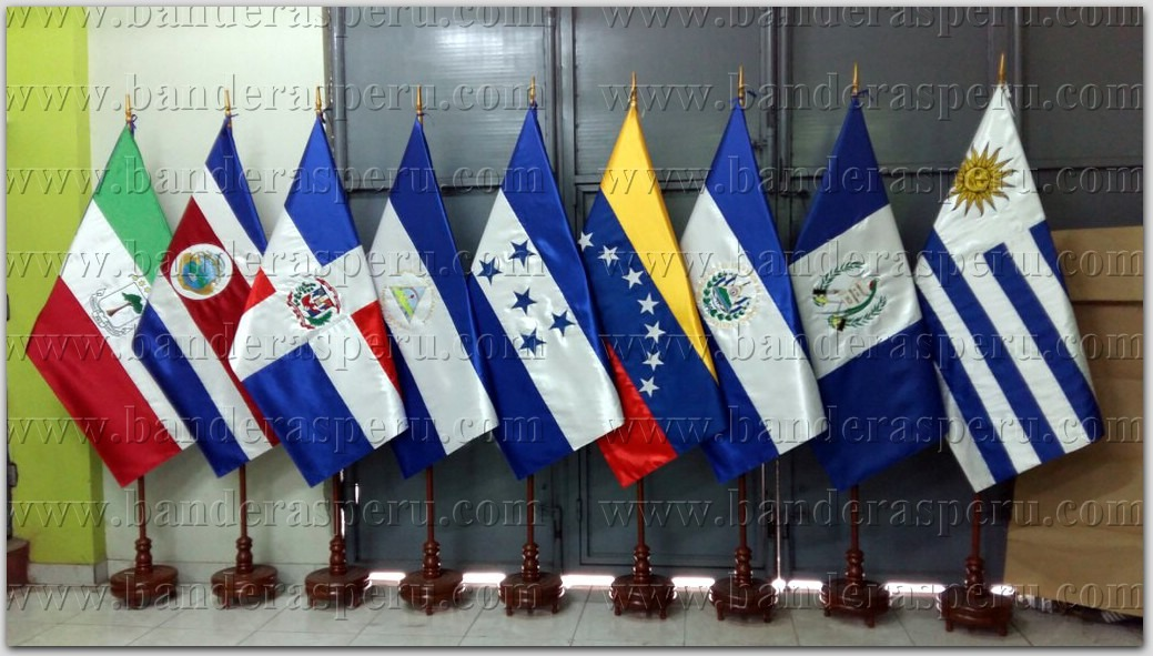 Estandartes de países bordados, venta de estandartes institucionales bordados.
