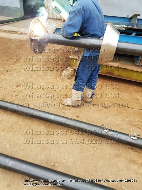Fabricación de astas metálicas en Perú