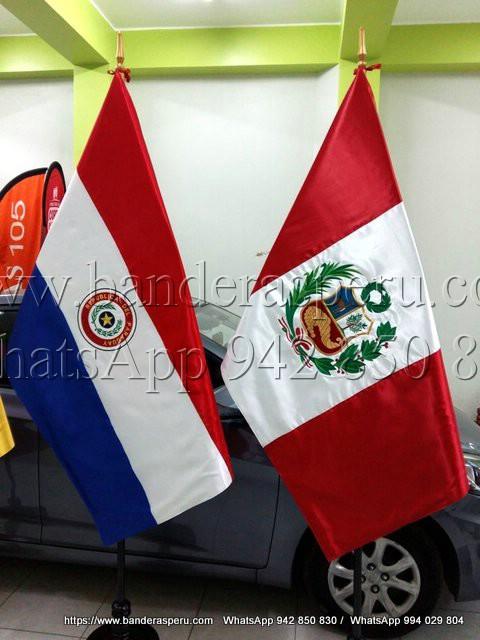 Estandarte de paises de Perú y estandarte de Paraguay