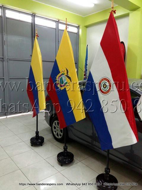 Estandarte de países bordado de Ecuador, Colombia y Paraguay