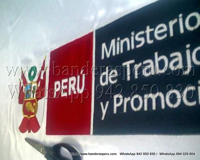 Confeccionamos estandartes institucionales en Perú