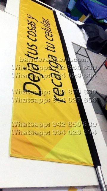 banderas L Invertida en Perú